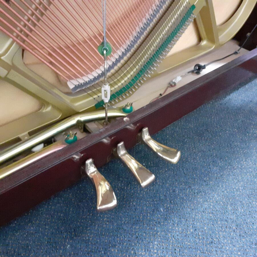 Yamaha V114 NS Silent upright piano pedals