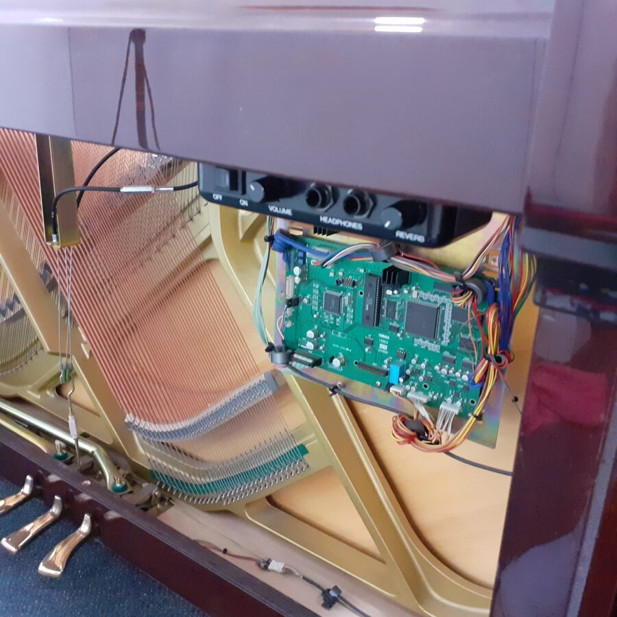 Yamaha V114 NS Silent upright piano silent system