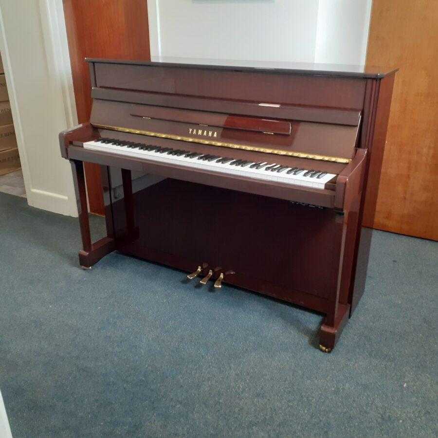 Yamaha V114 NS Silent upright piano