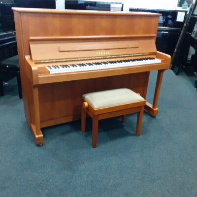 Yamaha P121 NT Upright Piano, cherry satin