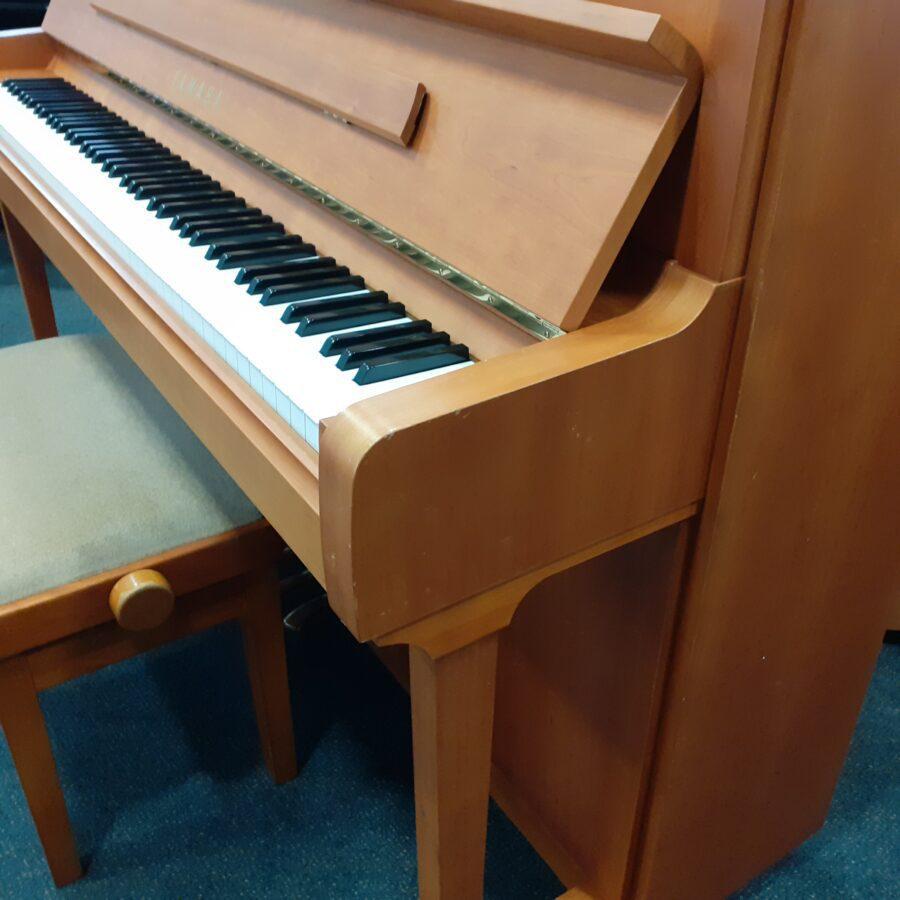 Yamaha P121 NT Upright Piano, SNC treble end