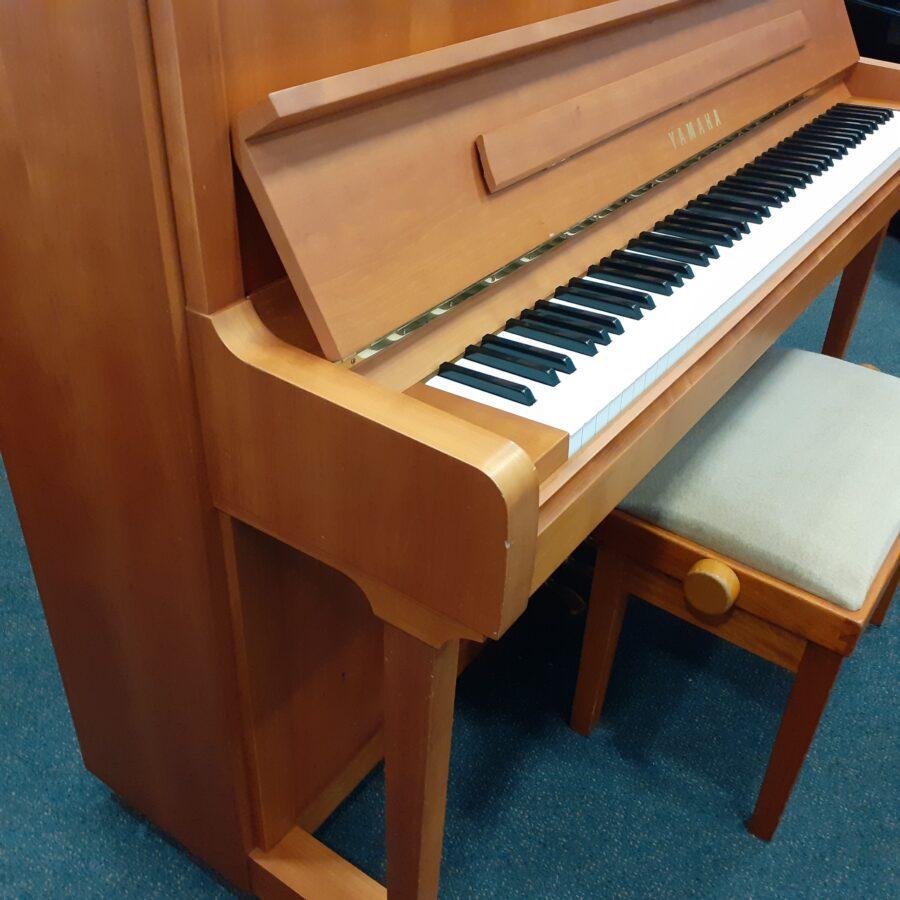 Yamaha P121 NT Upright Piano, SNC bass end