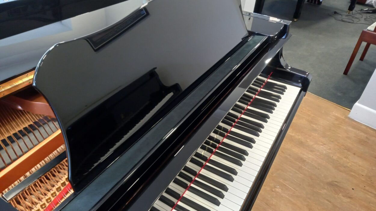 Yamaha C3 grand piano - desk