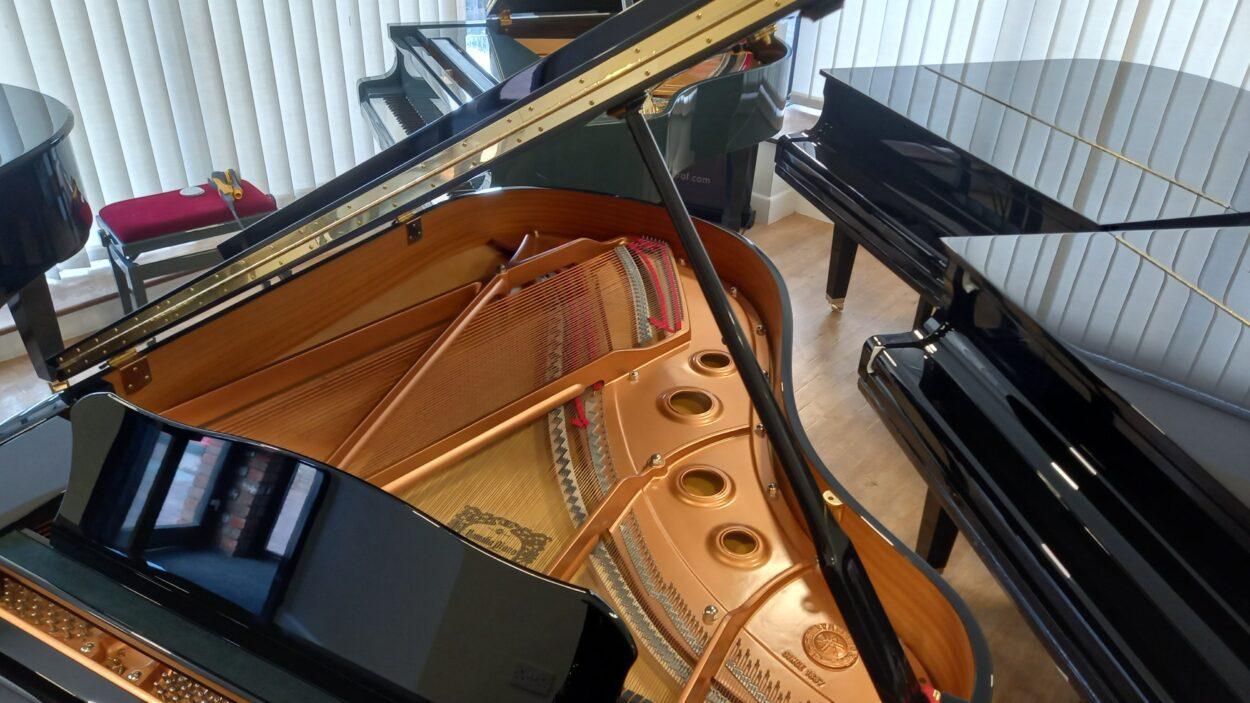 Yamaha C3 grand piano - frame